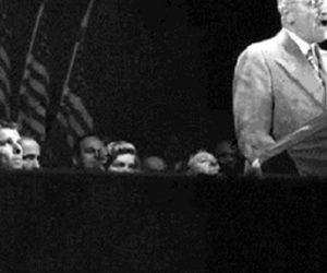 Reagan campaigns for Truman2