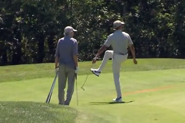 Obama golfing Aug16
